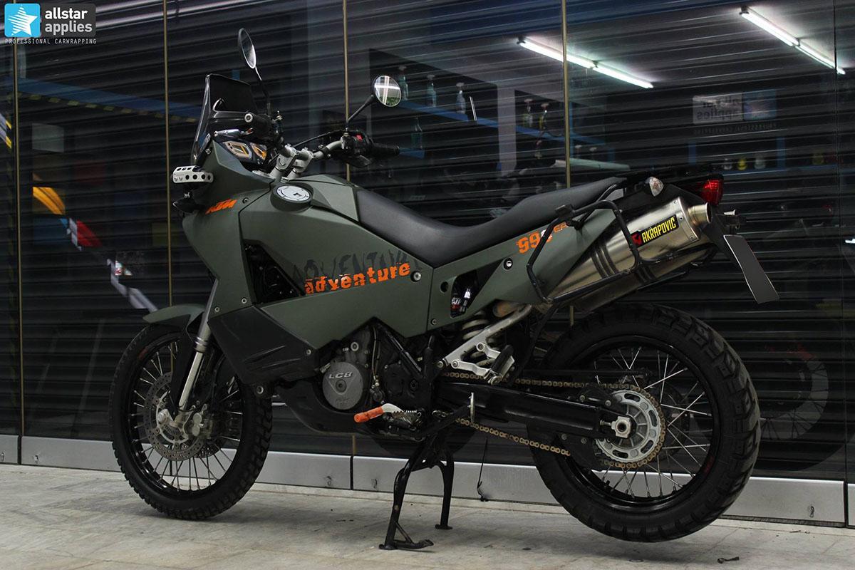 KTM Adventure 990 - Military Matte (1)