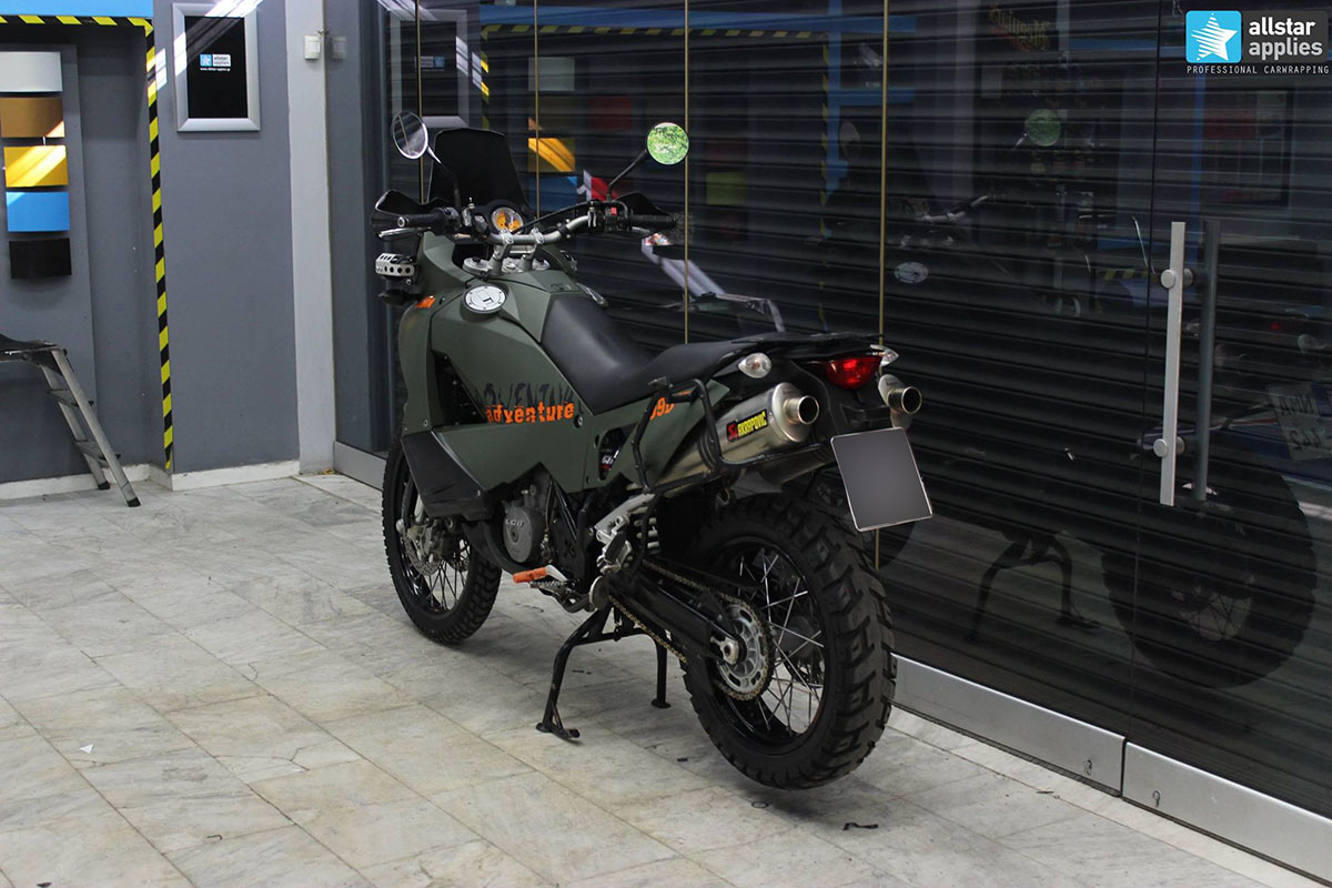 KTM Adventure 990 - Military Matte (7)