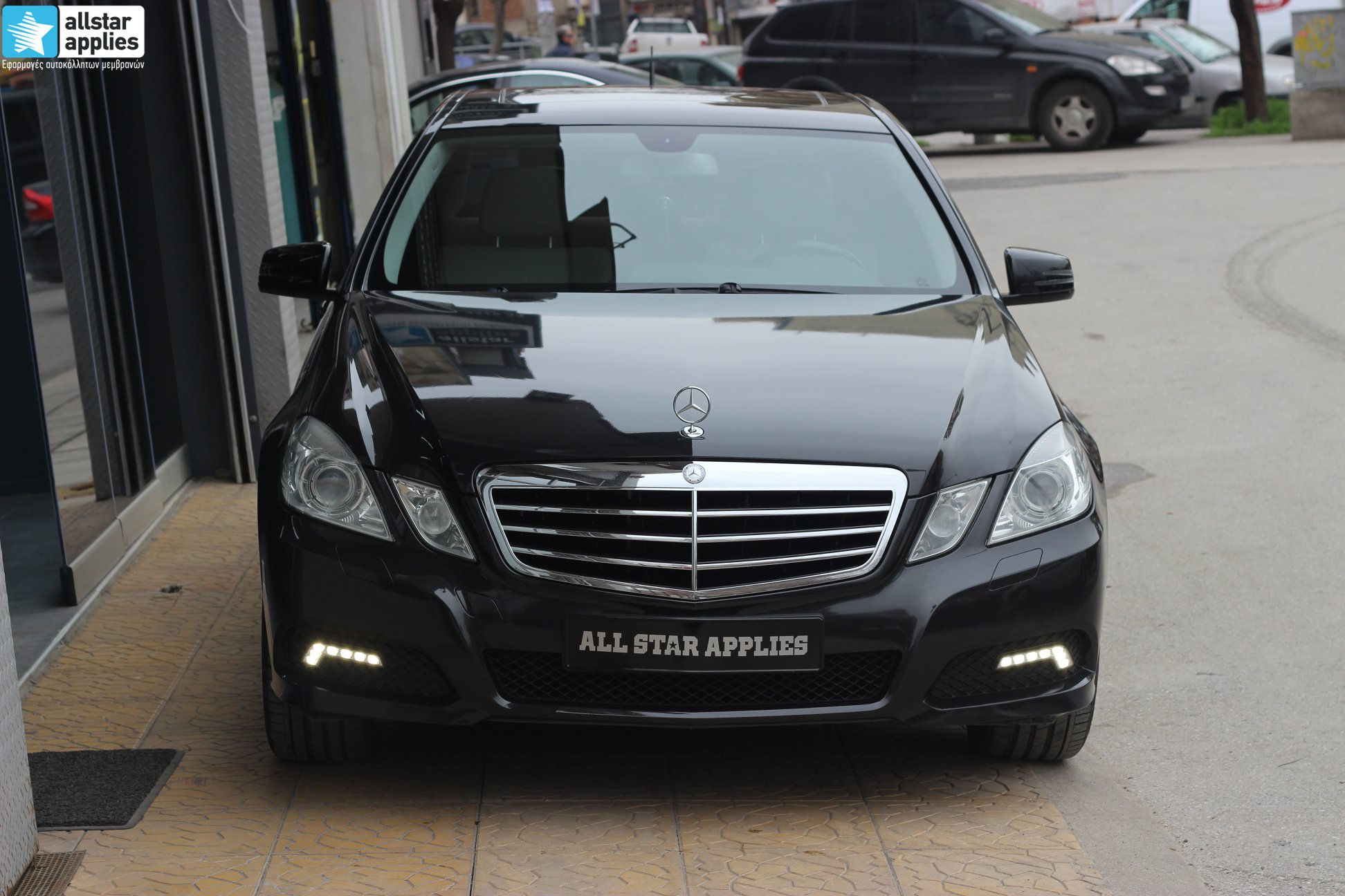 Mercedes E250 - Black Metallic (9)