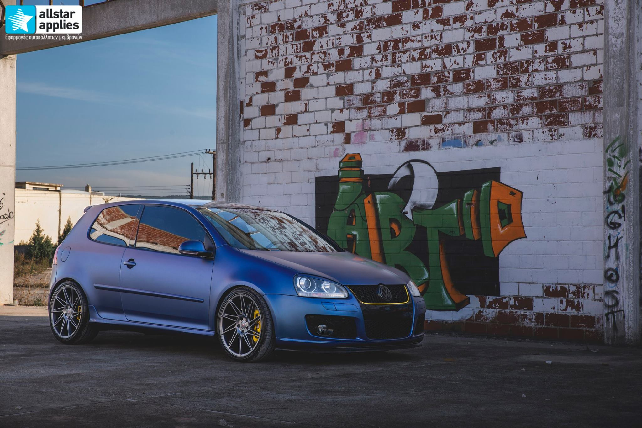 VW Golf 5 - Matt Trenton Blue (1)