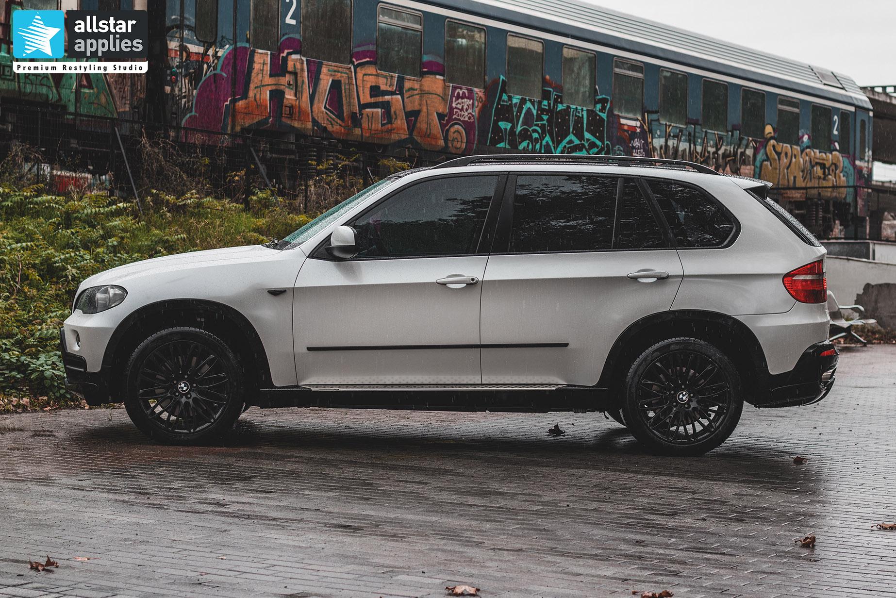 BMW X5 WHITE METALLIC 9