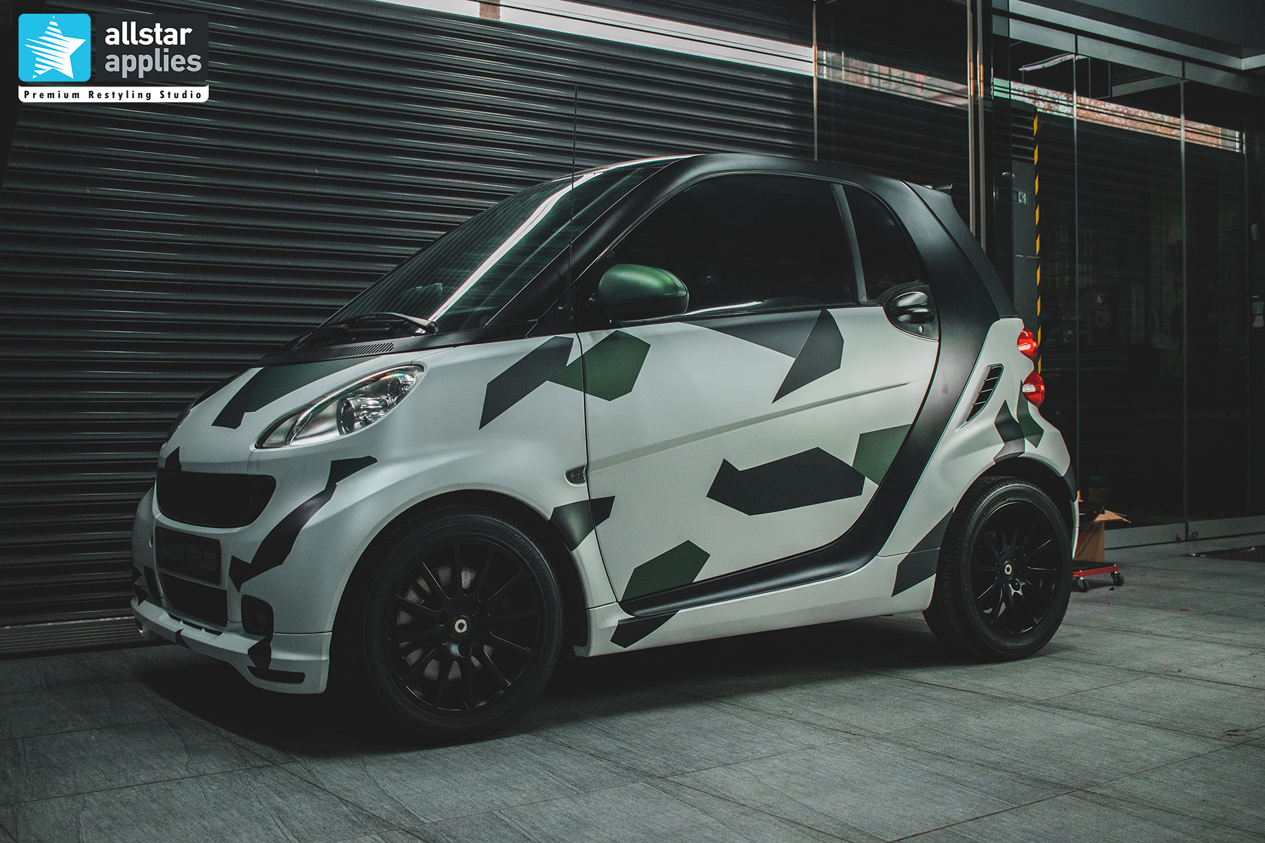 SMART 451 DIAMOND WHITE - POLYGON CAMO 2