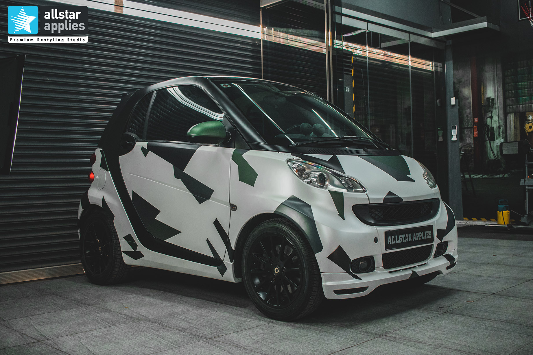SMART 451 DIAMOND WHITE - POLYGON CAMO 7